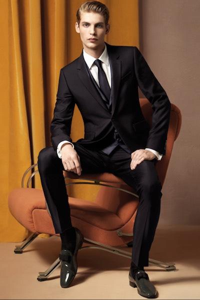 Vestiti Per Matrimonio Uomo : Uomo abiti da matrimonio qualche idea elegante per