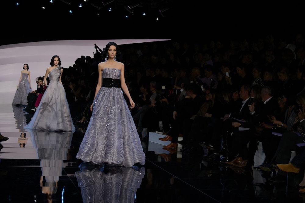 Armani priv sfilata alta moda primavera estate 2016 foto moda uomo moda donna - Diversi stili di moda ...