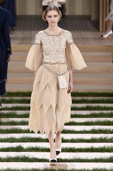 Chanel sfilata alta moda primavera estate 2016 40 moda for Chanel alta moda