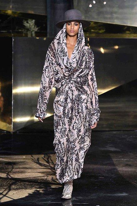 H&M Studio, sfilata donna inverno 2016-2017 02