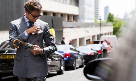 moda uomo abito grigio street style londra