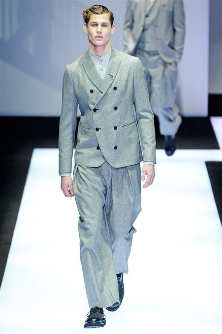 Abiti per uomini che amano vestire bene con uno stile raffinato è moderno 1593e46ada9