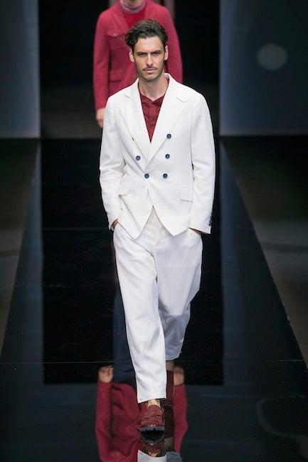 Slim e skinny risultano i fitting più glamour, ma il tuo abito da uomo non ha cliché da rincorrere. Identificati nel coordinato per l'occasione giusta e la naturalezza del tuo portamento provvederà a tutto il resto.