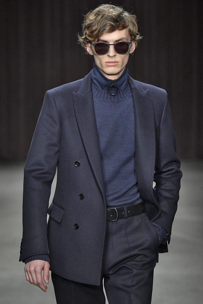 Vestiti Eleganti Moda 2018.Hugo Boss Uomo Abiti La Collezione Inverno 2017 2018 Foto Moda