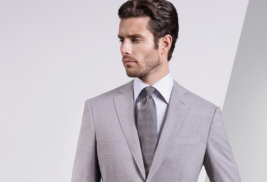 abbinare cravatta camicia abito grigio