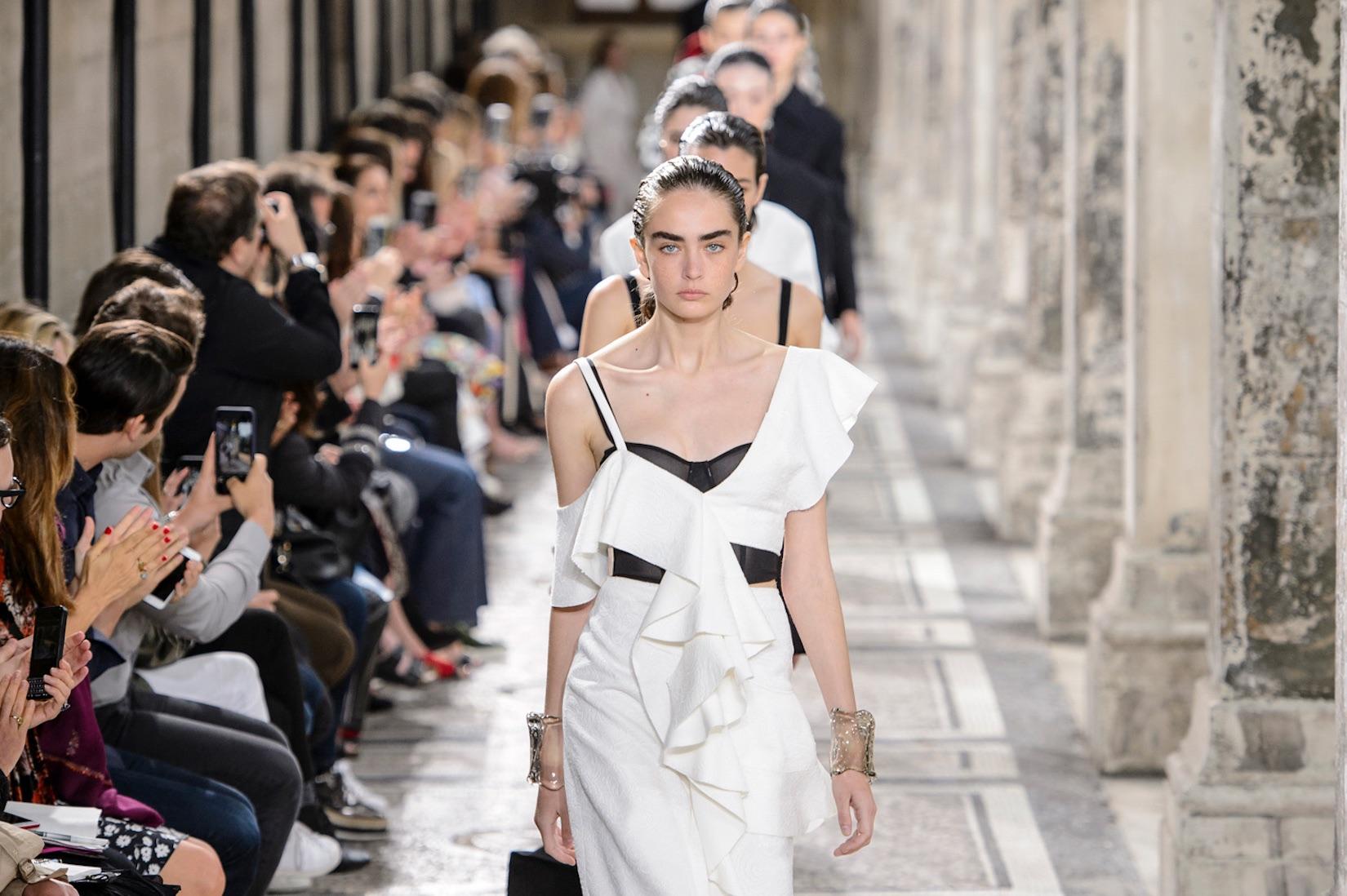 Calendario Sfilate Settembre 2020.Calendario Sfilate Moda Donna Tutte Le Date Di Settembre
