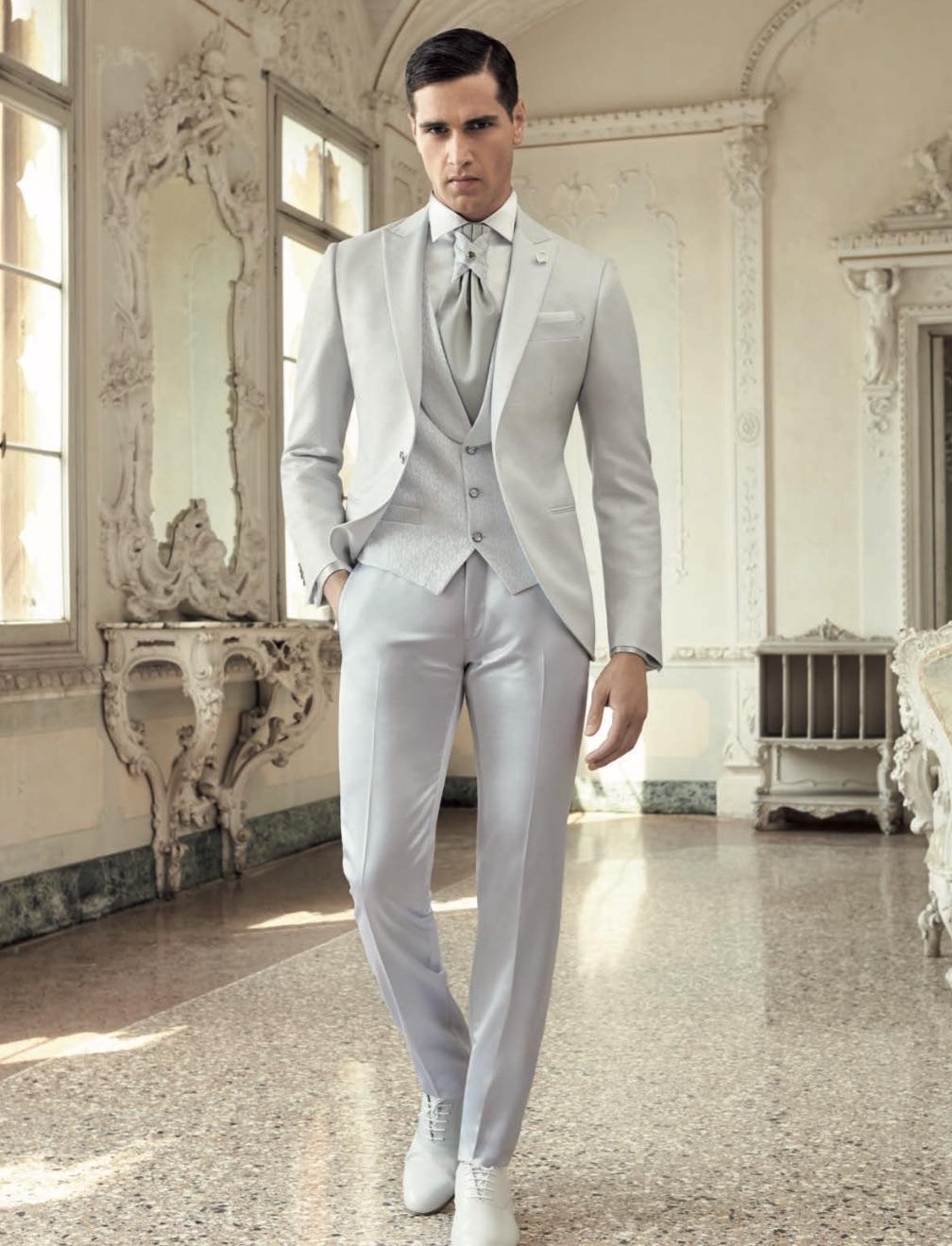 Moda Uomo Matrimonio 2018 : Uomo vestito sposo blu nero spezzato e colorato