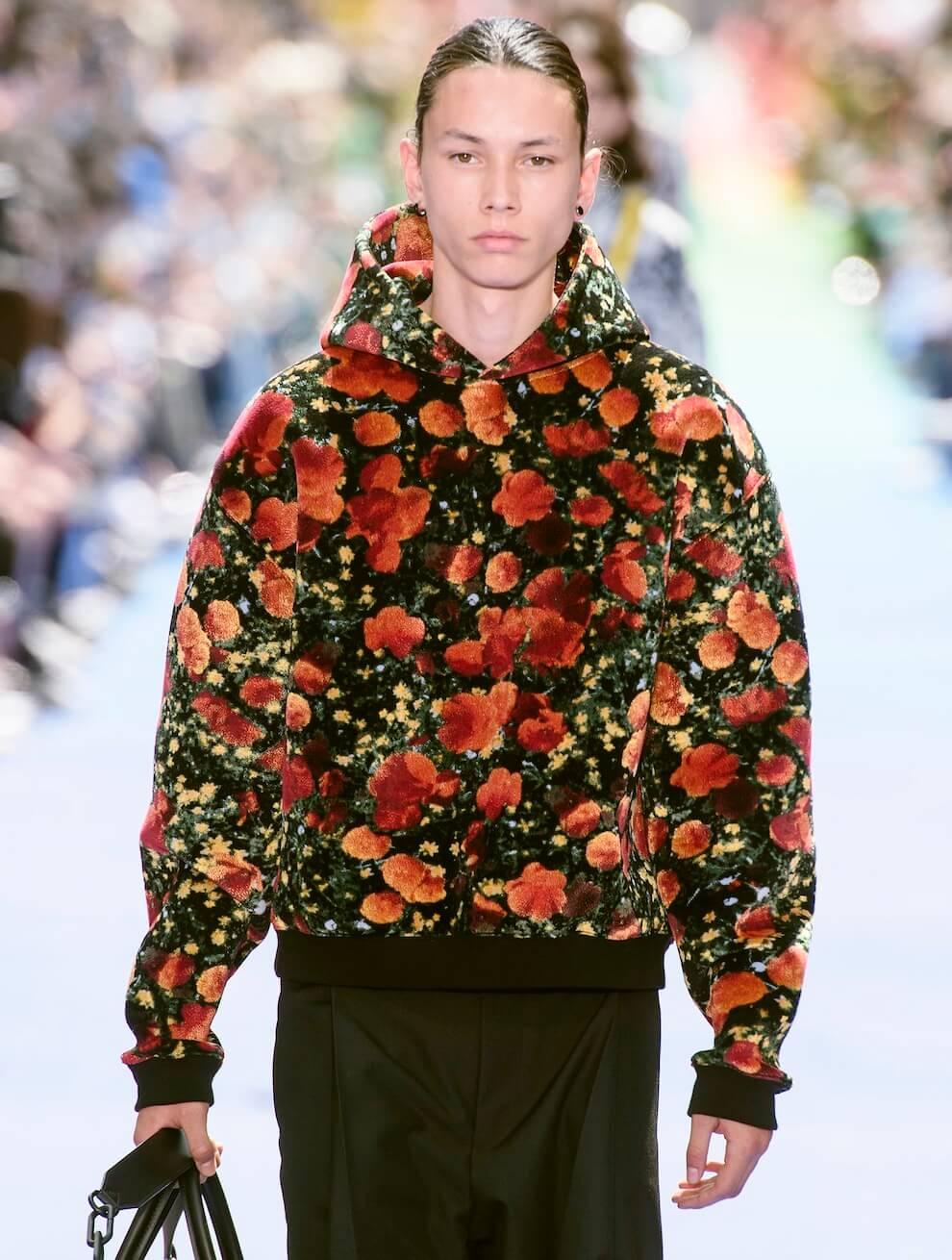 5b9228c765 Moda uomo, le 7 tendenze primavera estate 2019. Colore e abbinamenti